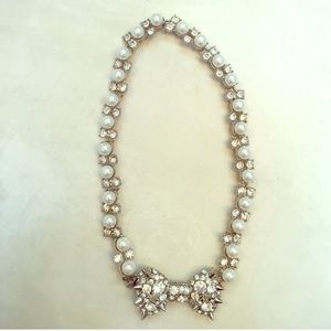 Betsey Johnson crystal bow necklace studded